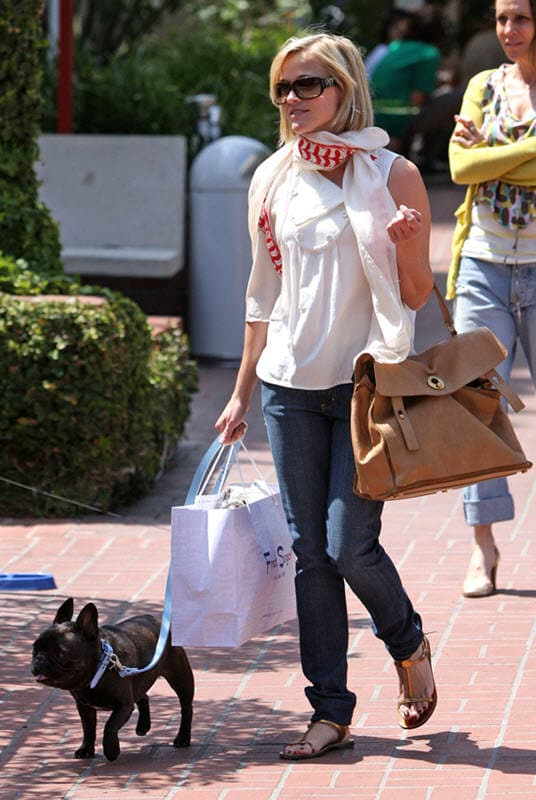 bulldog frances famoso reese witherspoon